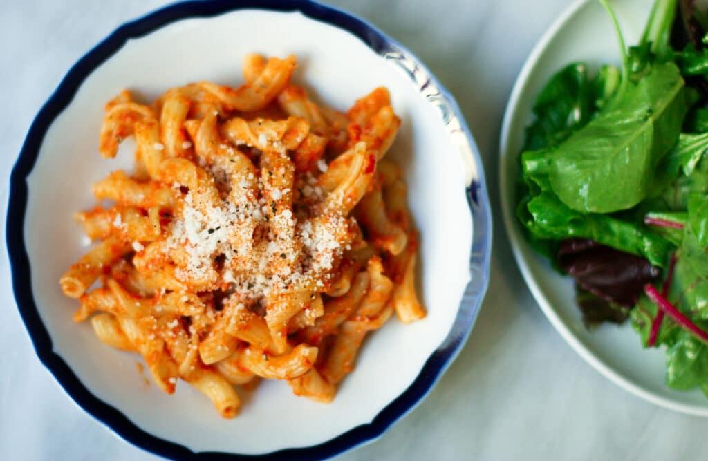 pasta with no-cook tomato sauce | ericajulson.com