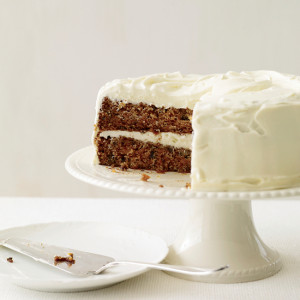 200901-r-xl-classic-carrot-cake-with-fluffy-cream-cheese-frosting