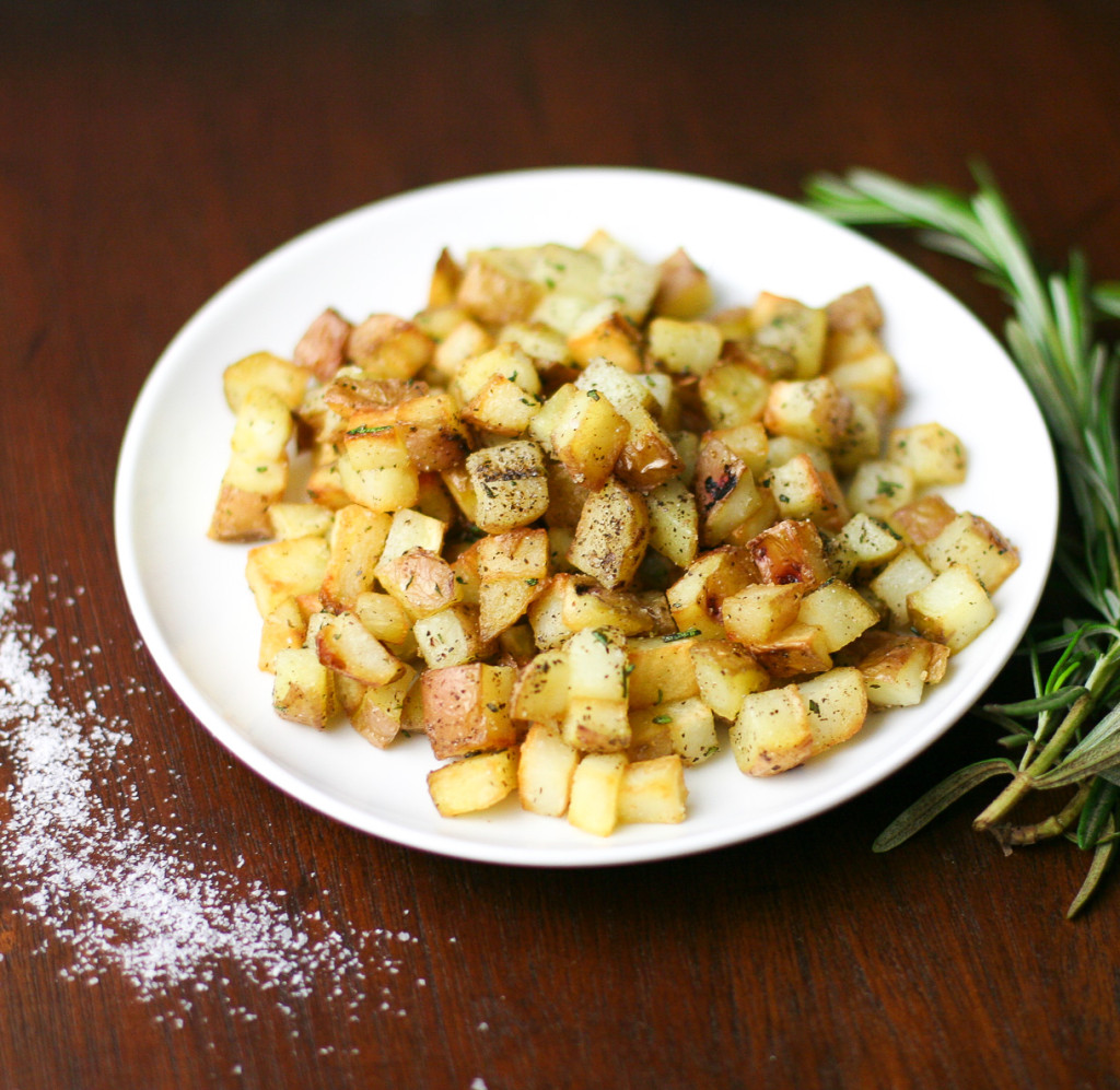 Easy Rosemary Garlic Pan Potatoes