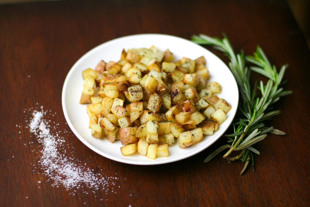Simple Rosemary Garlic Pan Potatoes