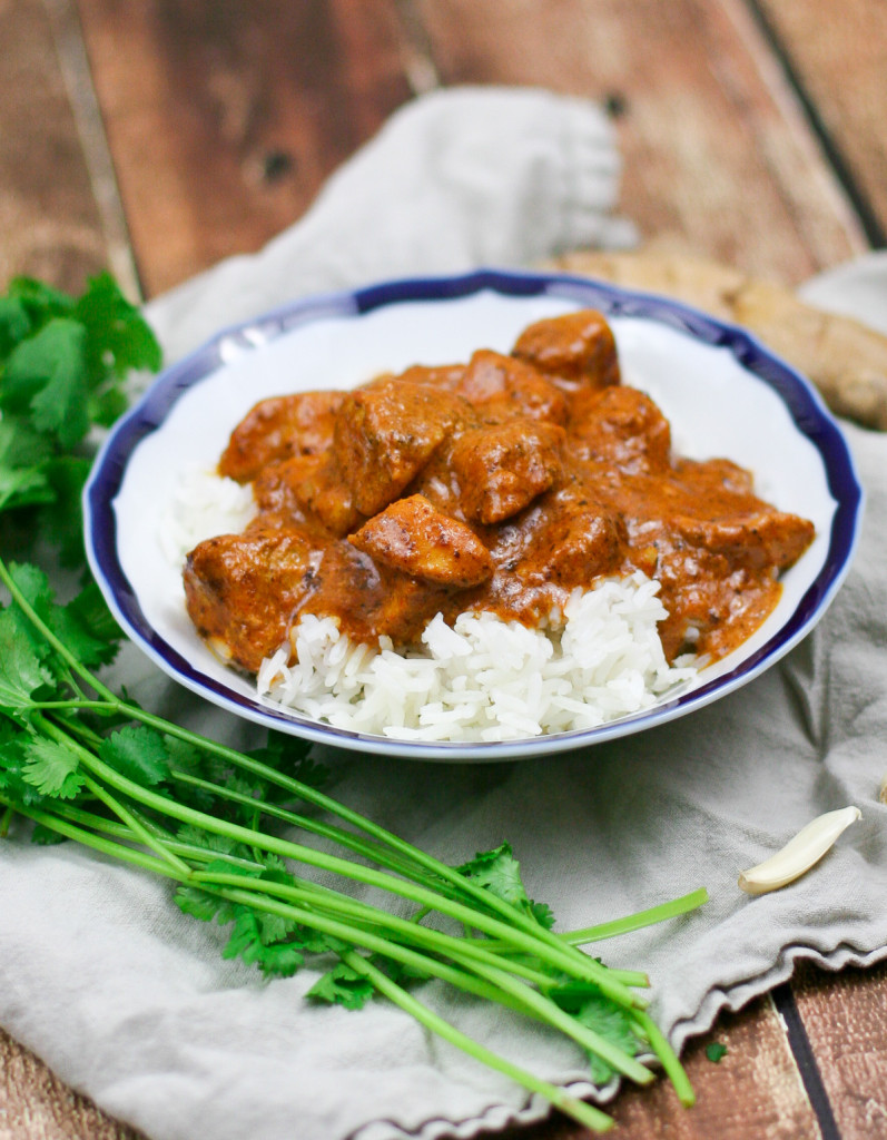 Creamy Indian Butter Chicken Over White Rice