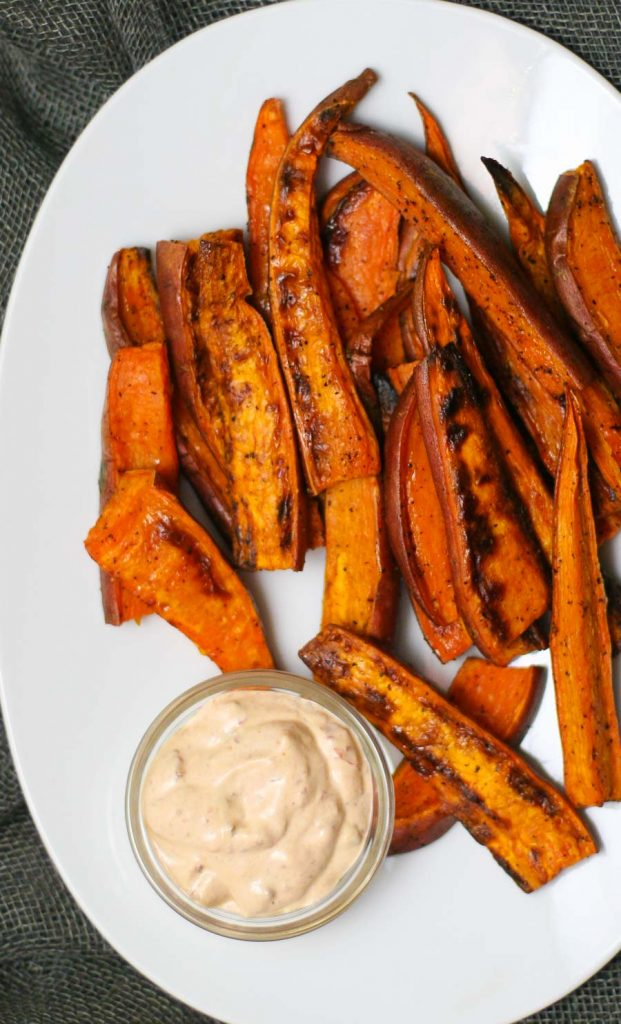 Easy Recipe for Baked Sweet Potato Wedges with Chipotle Aioli